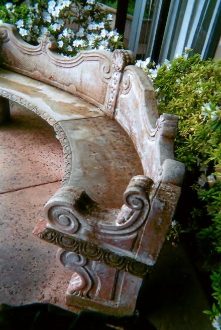 sculpture seat